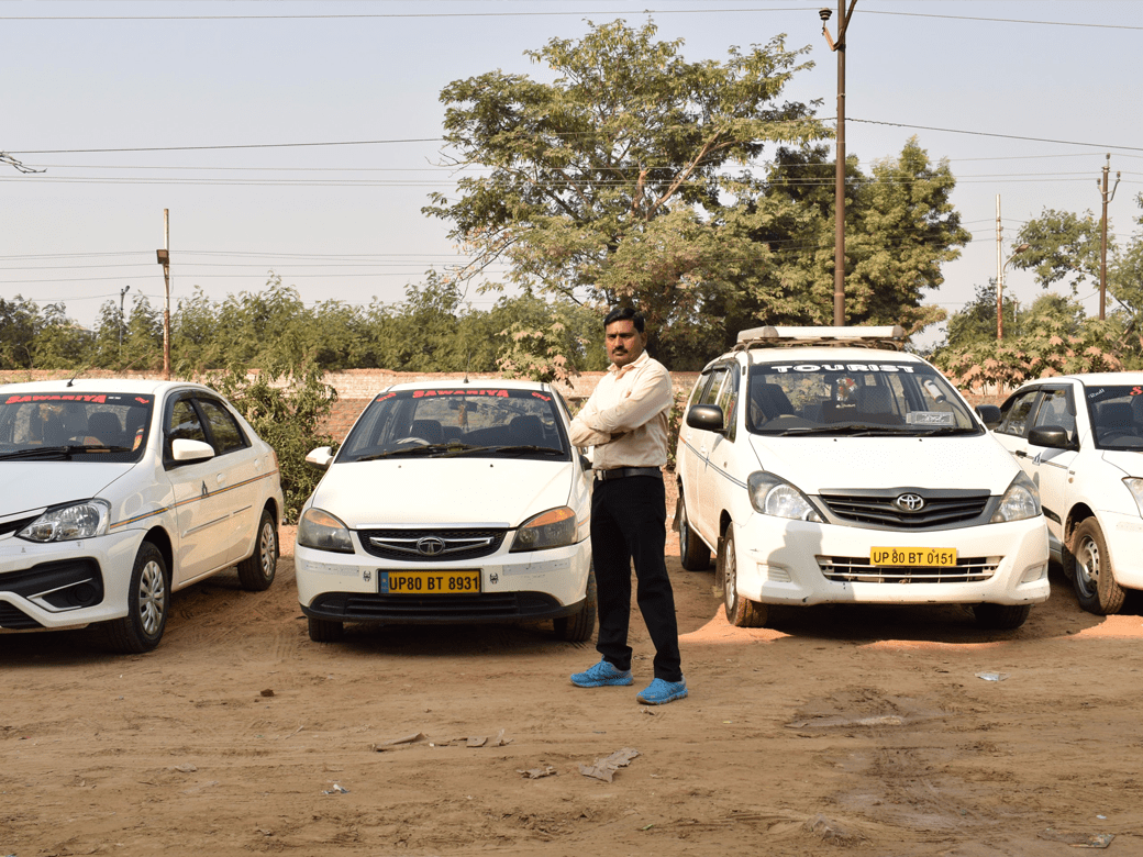 agra-taxi-about2_1